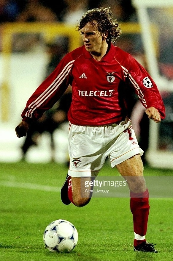 Benfica-1998-99-adidas-home-kit-Karel-Poborsky.jpg