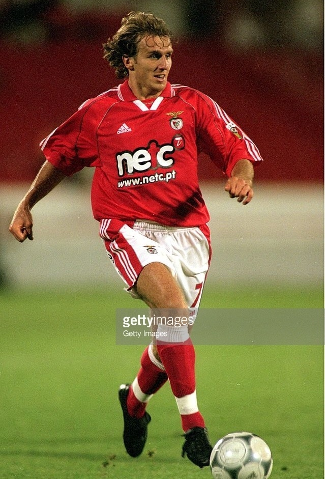 Benfica-2000-01-adidas-first-kit-Karel-Poborsky.jpg
