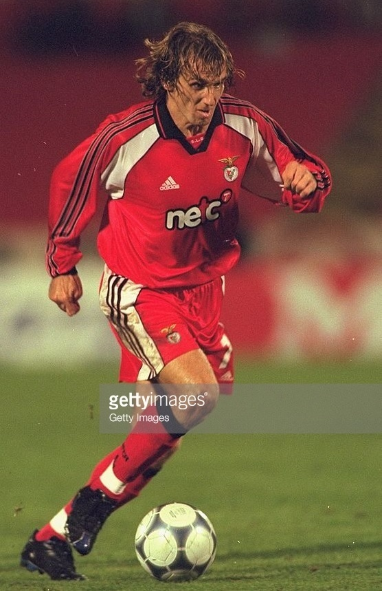 Benfica-2000-01-adidas-home-kit-Karel-Poborsky.jpg