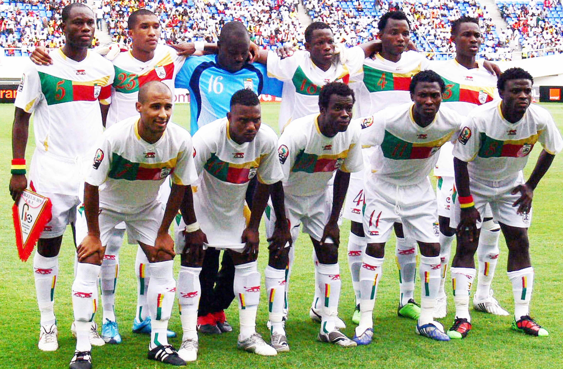Benin-2010-11-AIRNESS-away-kit-white-white-white-line-up.jpg