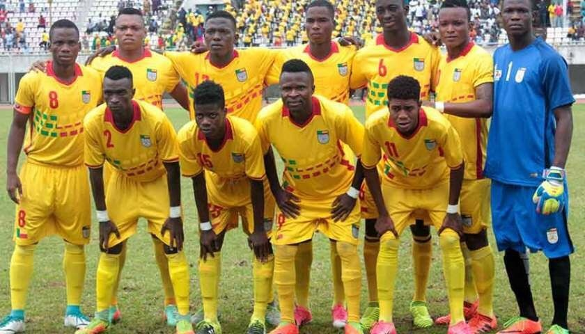 Benin-2016-17-no-name-home-kit-yellow-yellow-yellow-line-up-2.jpg