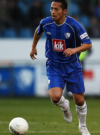Bochum-07-08-UMBRO-first-kit-blue-blue-white-Shinji-Ono.jpg
