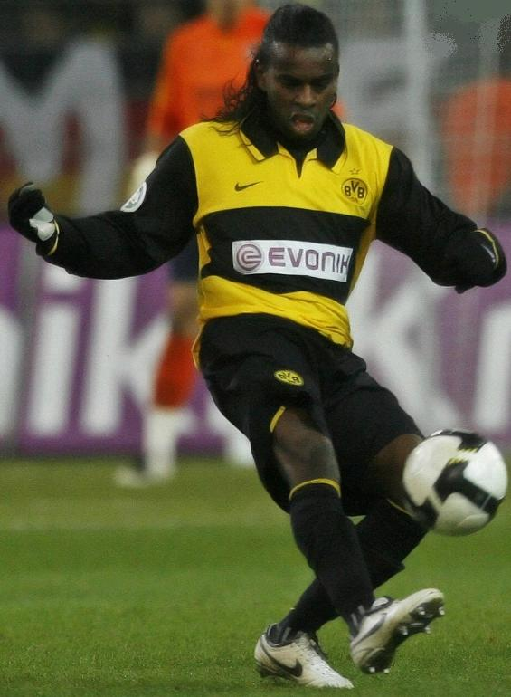 Borussia-Dortmund-07-08-NIKE-first-kit-yellow-black-black.JPG