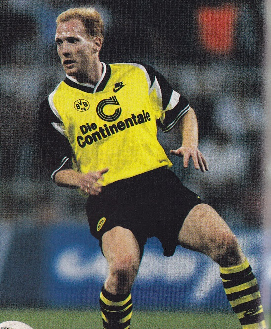 Borussia-Dortmund-95-96-NIKE-home-kit-yellow-black-stripe.jpg
