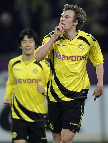 Borussia Dortmund-10-11-KAPPA-Xmas-kit-yellow-black-yellow.jpg