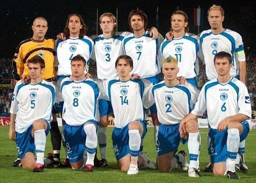 Bosnia-Herzegovina-05-LEGEA-home-kit-white-blue-white-line-up-2.jpg