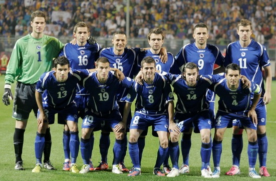 Bosnia-Herzegovina-12-LEGEA-away-kit-blue-blue-blue-line-up.jpg