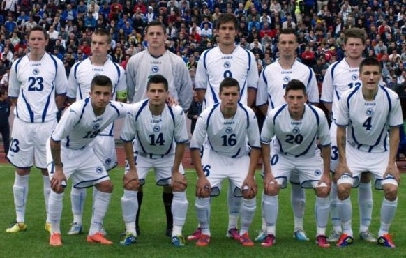 Bosnia-Herzegovina-12-LEGEA-home-kit-white-white-white-line-up.jpg