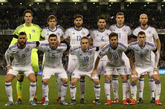 Bosnia-Herzegovina-16-17-adidas-away-kit-white-white-white-line-up.JPG