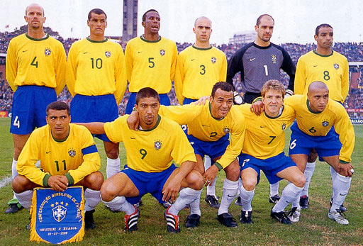 Brazil-00-01-NIKE-uniform-yellow-blue-white-group.JPG
