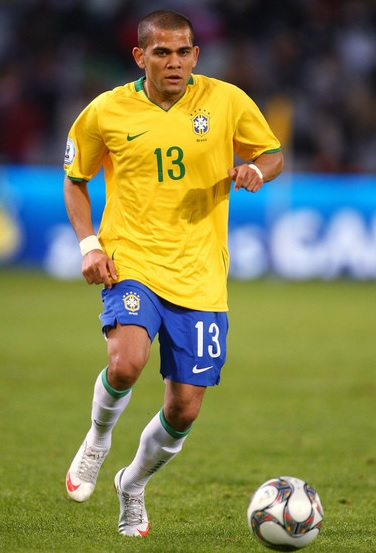 Brazil-08-09-NIKE-home-kit-yellow-blue-white.jpg
