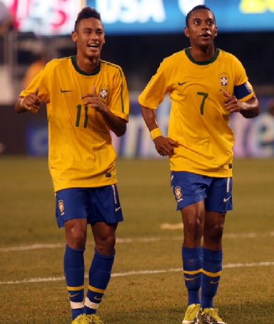 Brazil-10-11-NIKE-home-kit-yellow-blue-blue.jpg