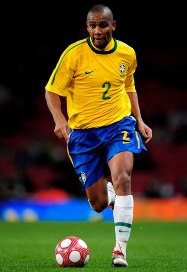 Brazil-10-11-NIKE-home-uniform-yellow-blue-white.JPG