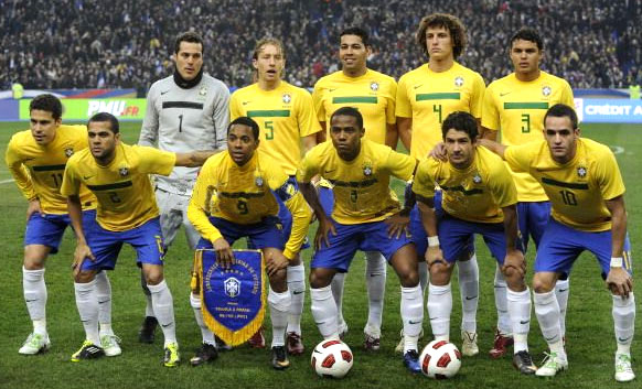 Brazil-11-12-NIKE-home-kit-yellow-blue-white-line up.JPG