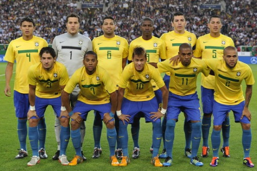 Brazil-11-NIKE-home-kit-yellow-blue-blue-line-up.jpg