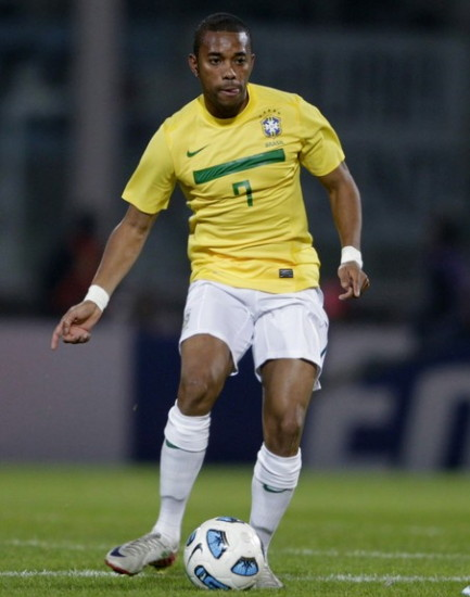 Brazil-11-NIKE-home-kit-yellow-white-white.jpg