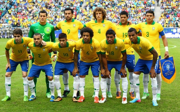 Brazil-13-NIKE-confederations-cup-home-kit-yellow-blue-white-line-up.jpg