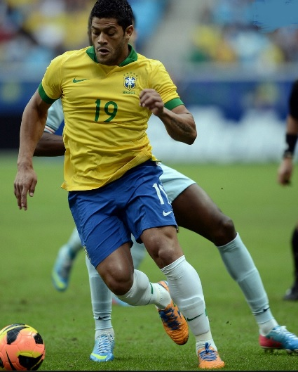 Brazil-13-NIKE-confederations-cup-home-kit-yellow-blue-white.jpg