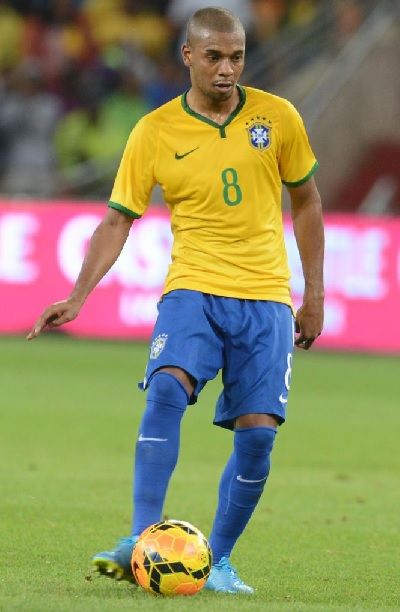 Brazil-14-15-NIKE-home-kit-yellow-blue-blue.jpg