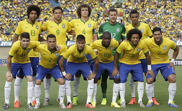 Brazil-14-15-NIKE-home-kit-yellow-blue-white-line-up.jpg