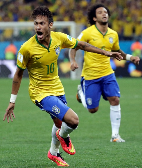 Brazil-14-15-NIKE-home-kit-yellow-blue-white.jpg