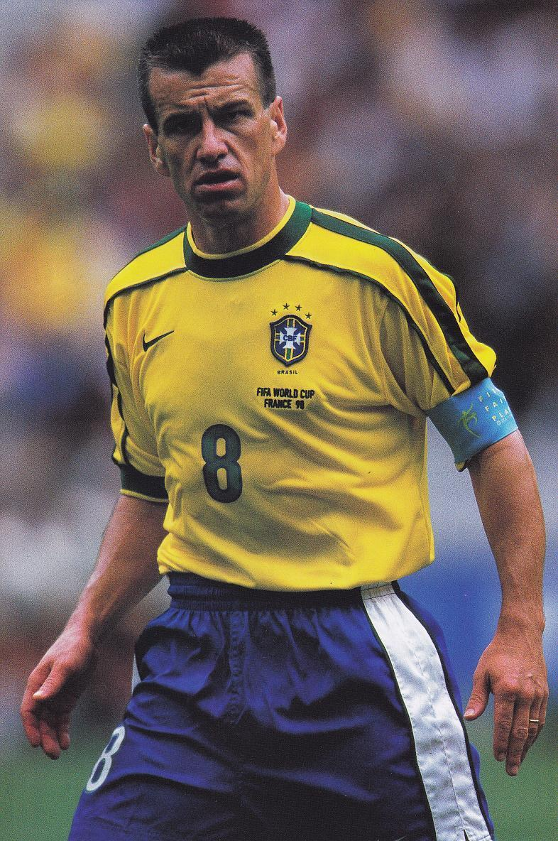Brazil-1998-NIKE-world-cup-home-kit-yellow-blue-white.jpg