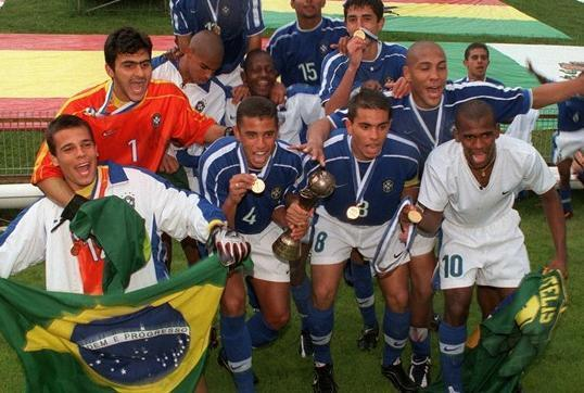 Brazil-1999-NIKE-U17-away-kit-blue-white-blue-joy.jpg