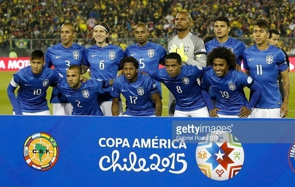 Brazil-2015-NIKE-away-kit-blue-white-blue-line-up.jpg
