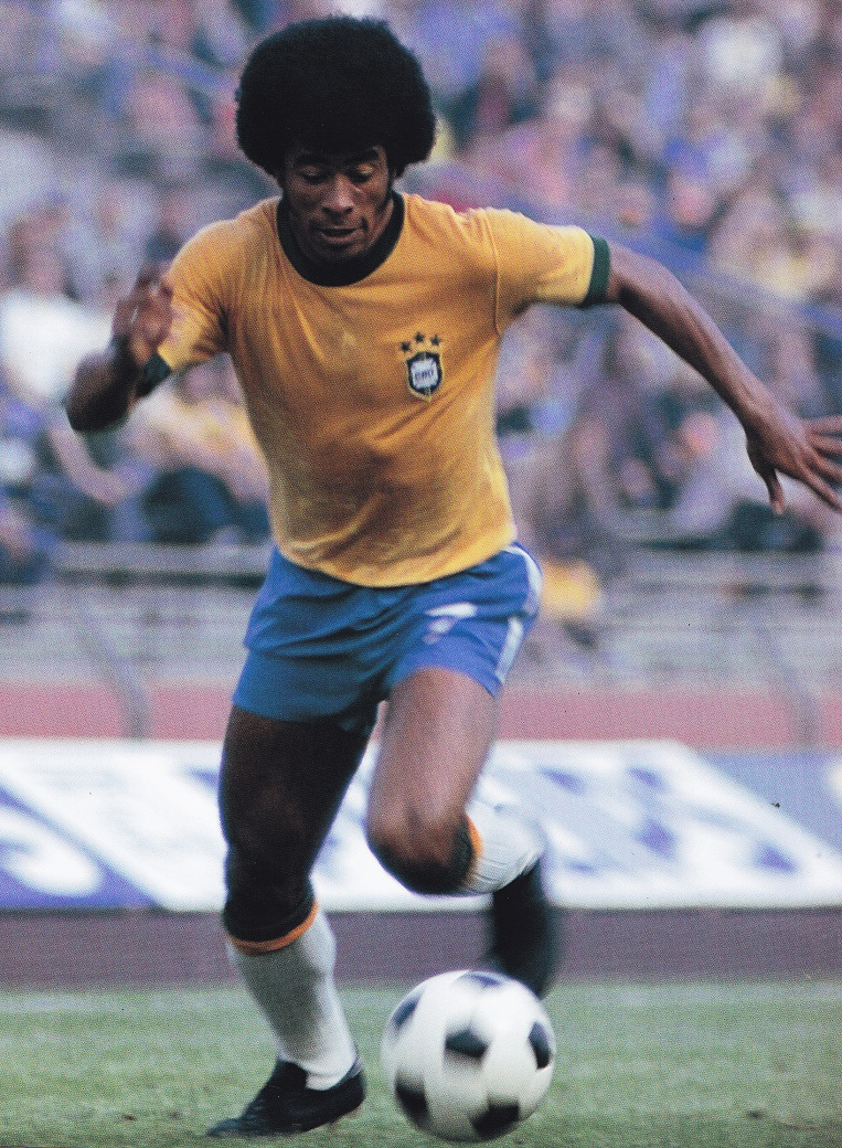 Brazil-74-no-name-home-kit-yellow-blue-white.jpg