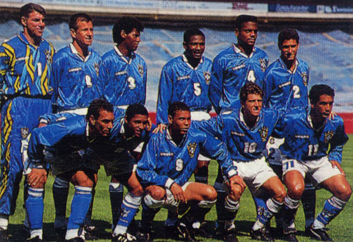 Brazil-95-96-UMBRO-uniform-blue-white-blue-group.JPG