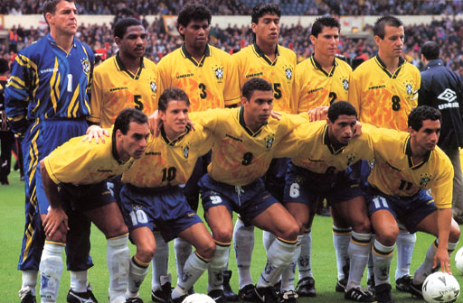 Brazil-95-96-UMBRO-uniform-yellow-blue-white-group.JPG