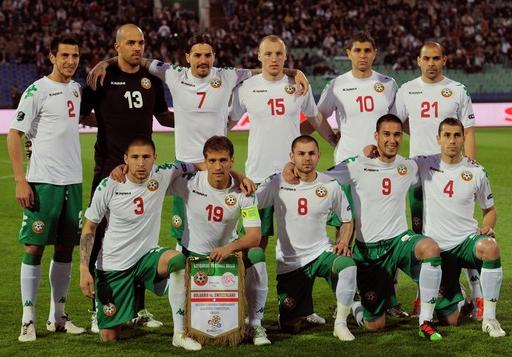Bulgaria-11-12-Kappa-home-kit-white-green-white-line up.JPG