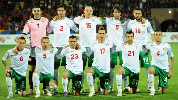 Bulgaria-13-14-Kappa-home-kit-white-green-white-line-up.jpg