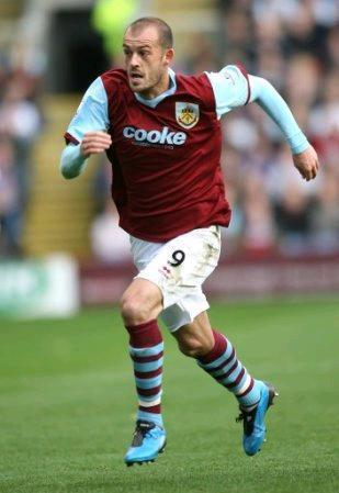 Burnley-09-10-PUMA-home-kit.JPG