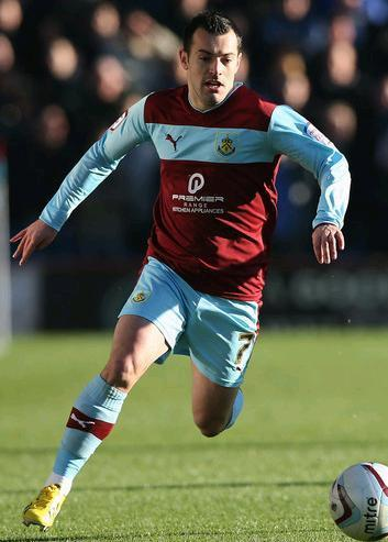 Burnley-12-13-PUMA-home-kit.JPG