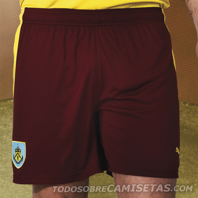 Burnley-15-16-PUMA-new-away-kit-3.jpg