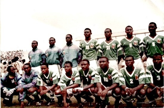 Côte-d'Ivoire-1992-PUMA-cup-of-nations-away-kit-green-white-green-line-up.jpg