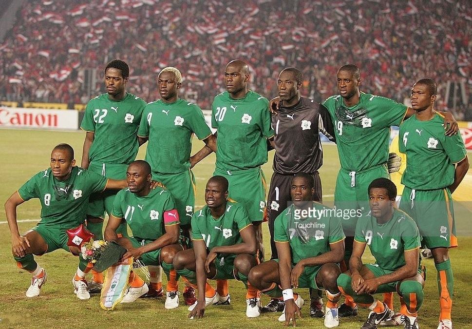 Côte-d'Ivoire-2006-PUMA-cup-of-nations-away-kit-green-green-green-line-up.jpg