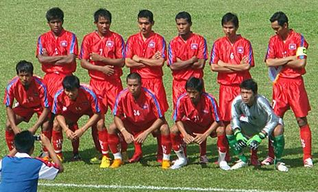 Cambodia-08-unknown-red-red-red-line up.JPG