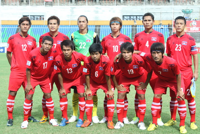Cambodia-12-FBT-home-kit-red-red-red-line-up.jpg