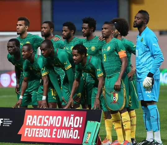 Cameroon-14-15-PUMA-home-kit-green-green-yellow-group-photo.jpg