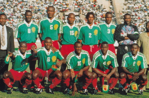 Cameroon-97-lotto-home-kit-green-red-red-line-up.jpg