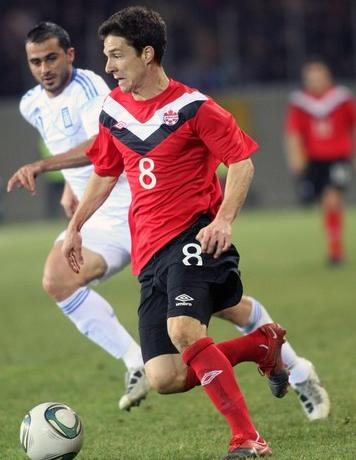 Canada-11-12-UMBRO-home-kit-red-black-red.JPG