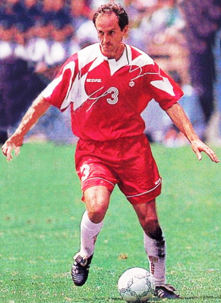Canada-93-94-SCORE-home-kit-red-red-white.jpg