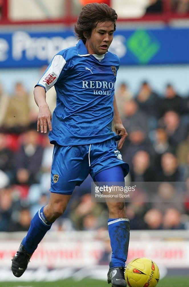 Cardiff-City-04-05-PUMA-home-kit-稲本潤一.jpg