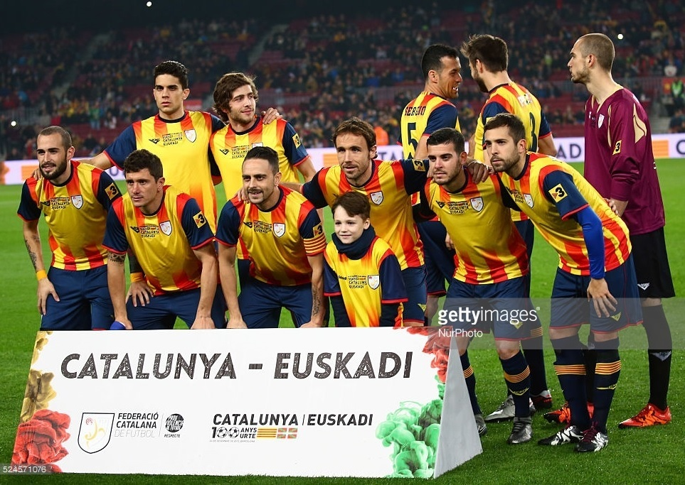 Catalunya-2015-Astore-home-kit-yellow-navy-navy-line-up.jpg