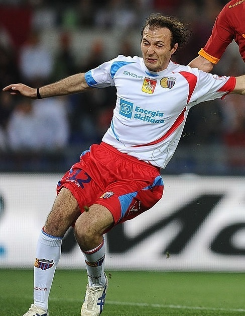 Catania-2011-12-GIVOVA-away-kit.jpg