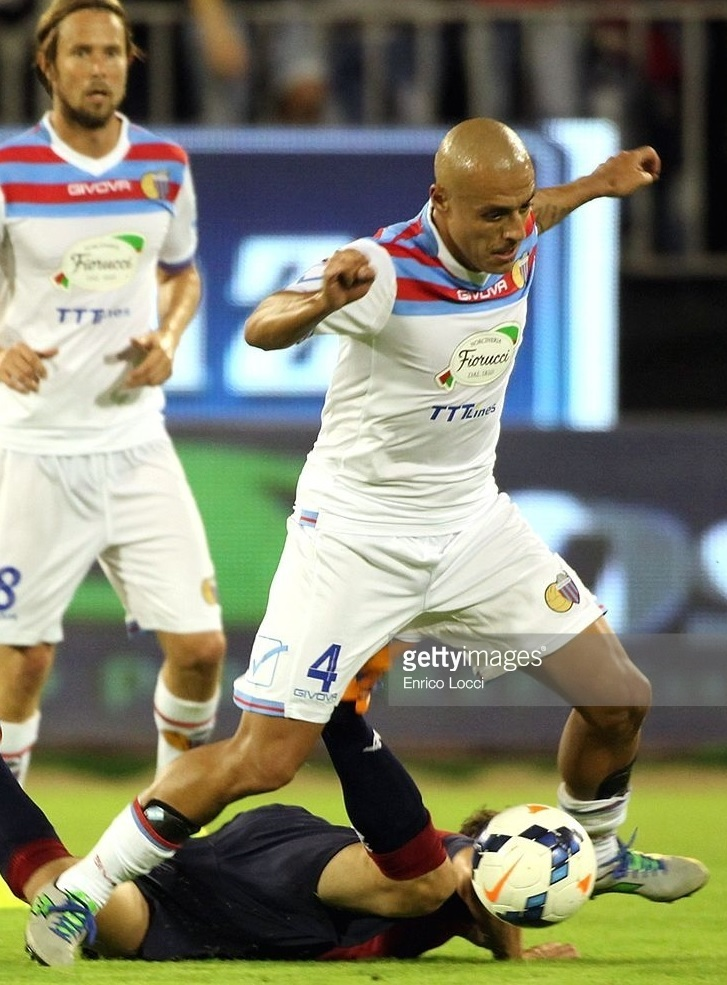 Catania-2013-14-GIVOVA-away-kit.jpg
