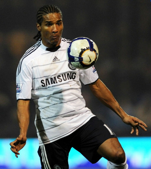 Chelsea-09-10-adidas-second-kit-white-black-black.jpg
