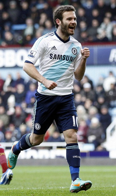 Chelsea-12-13-adidas-second-kit-white-navy-navy.jpg